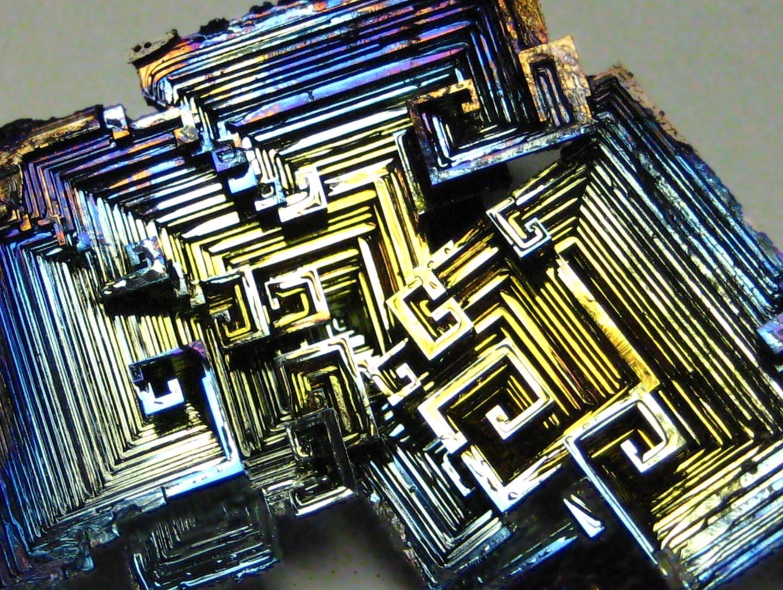Bismut & Bismut Architectes amazing rust - bismuth crystals